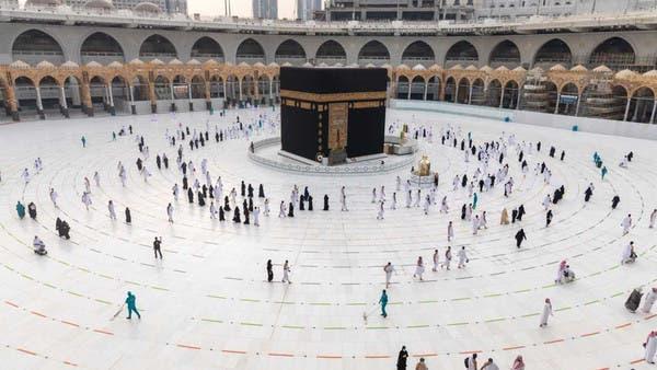 500 موظف يفوجون المعتمرين يومياً بالمسجد الحرام