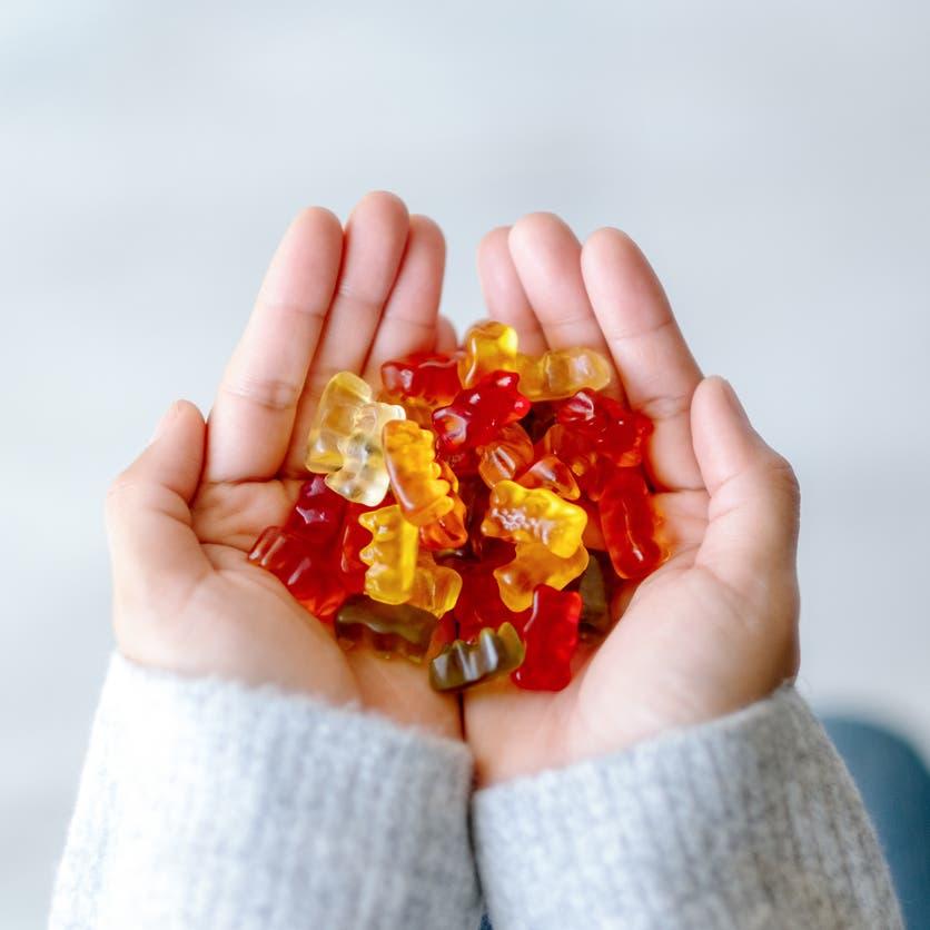 13 طفلاً بريطانياً في المستشفى بسبب حلوى.. ماذا تحتوي؟