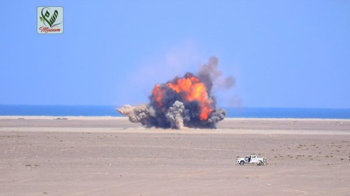 فريق مسام يتلف ألغام حوثية في باب المنب الساحل الغربي