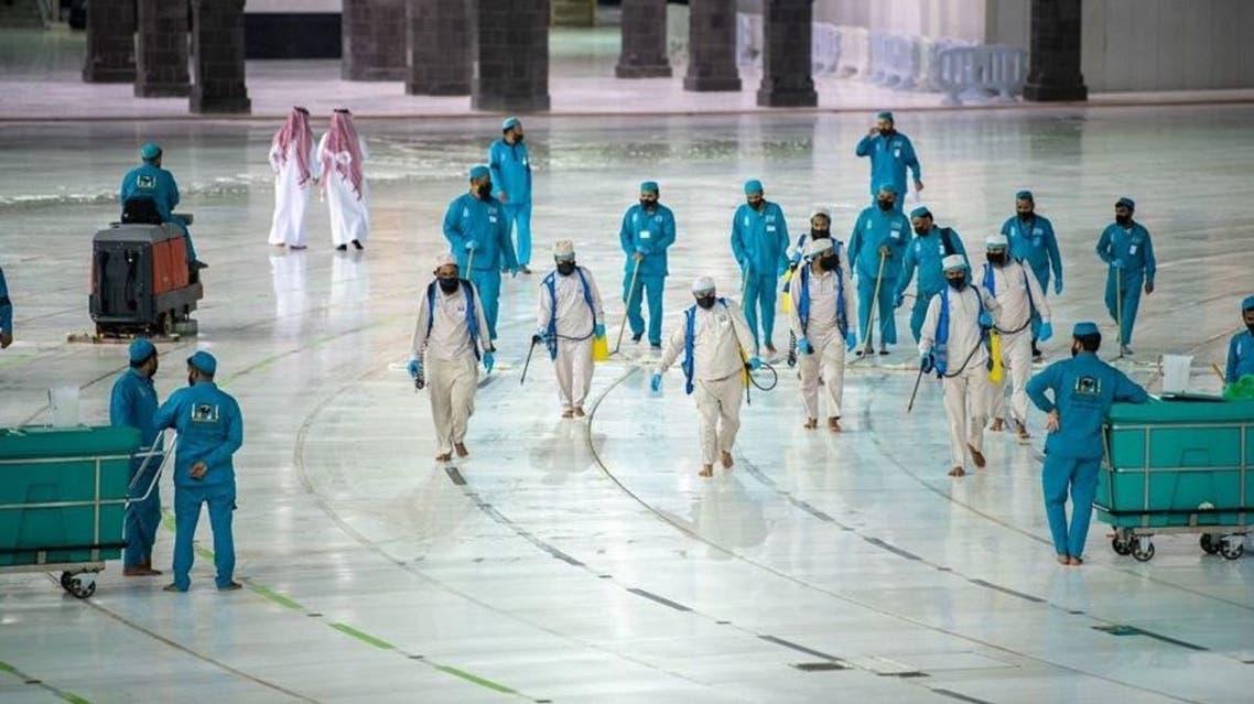 Coronavirus in Saudi Arabia: 4,000 workers, 100,000 facemasks to ensure safe Umrah