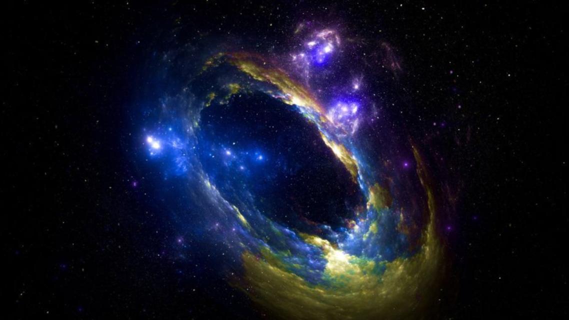 الثقب الأسود المشحون