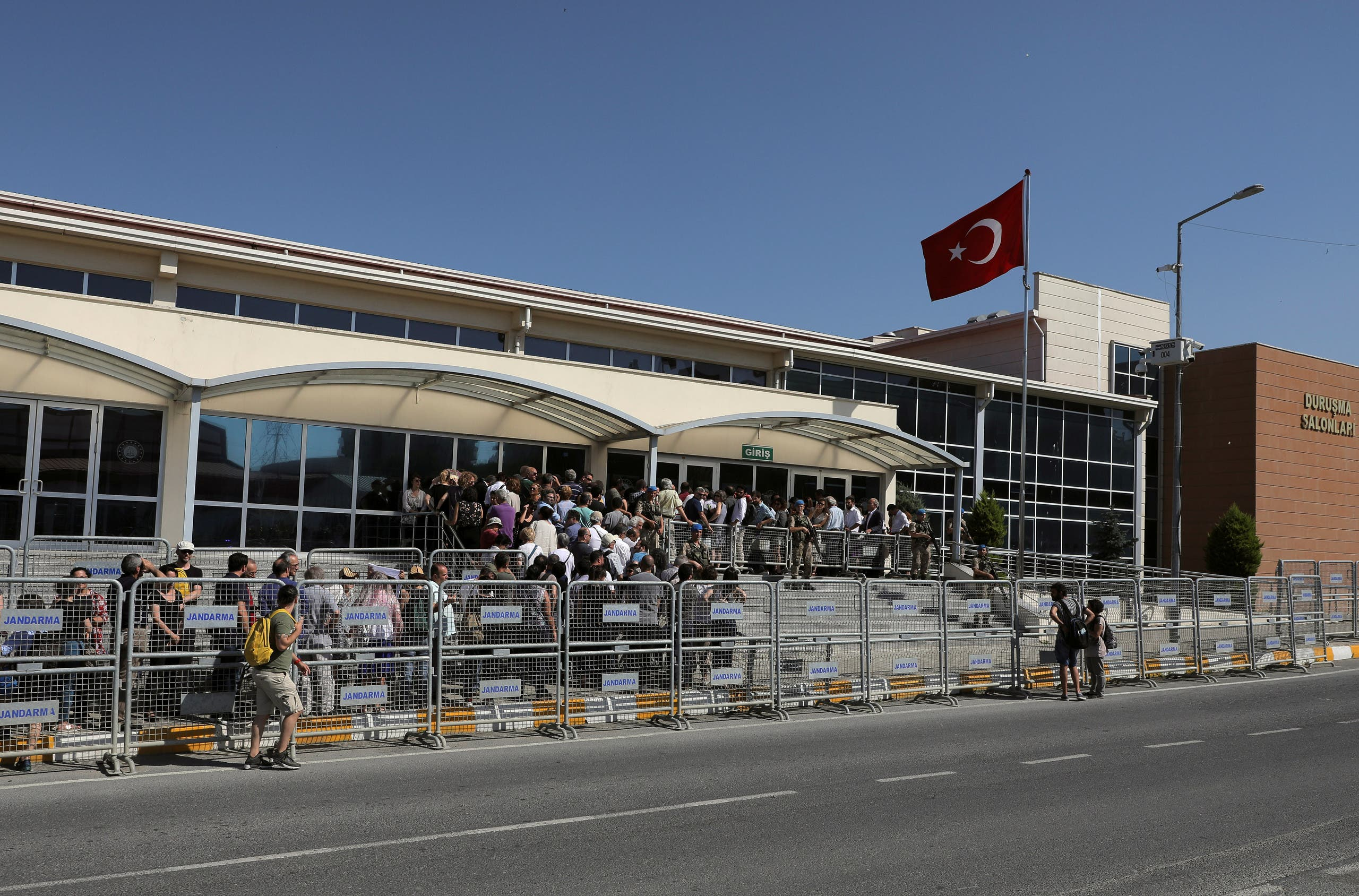 المحكمة والسجن في اسطنبول حيث يقبع كافالا منذ سنوات