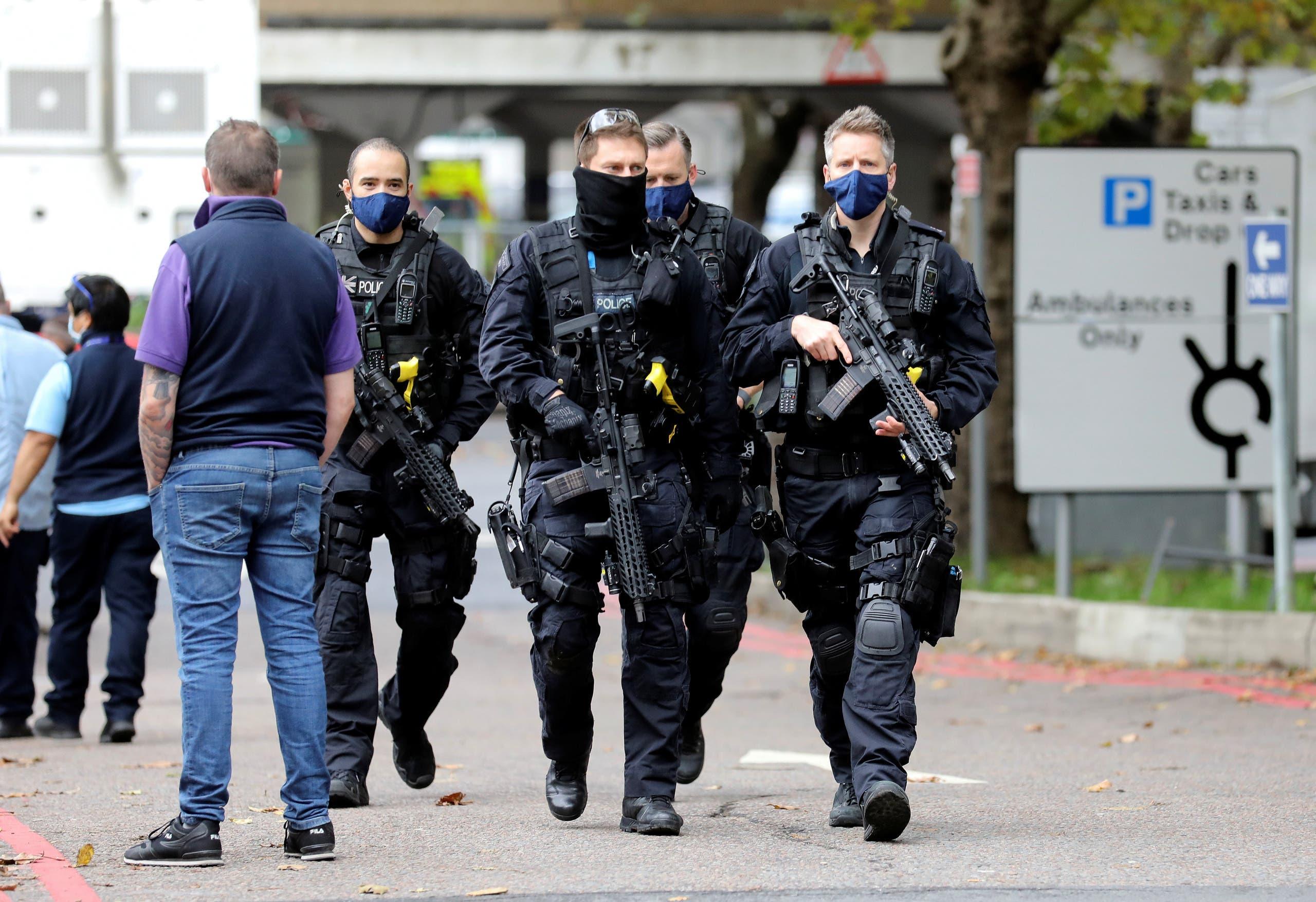 الشرطة في محيط المستشفى