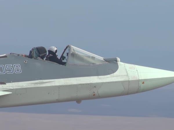 شاهد.. مقاتلة روسية تحلق بدون مظلة قمرة القيادة