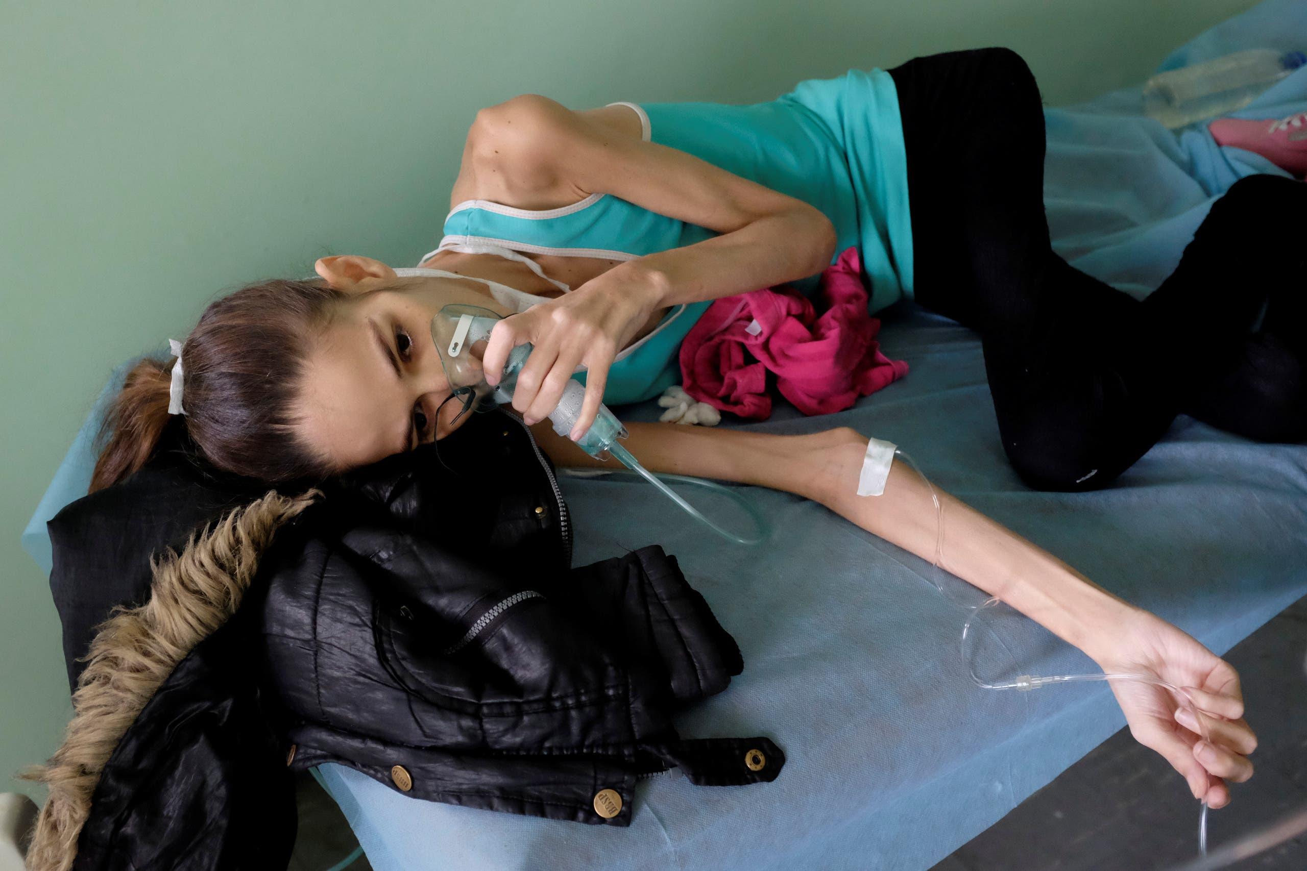 مصابة بكورونا ونقص المناعة في احد مستشفيات فنزويلا