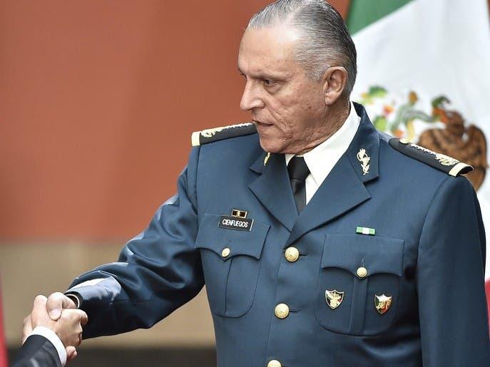 ذهب برجليه إليها..أميركا تعتقل وزير دفاع المكسيك السابق