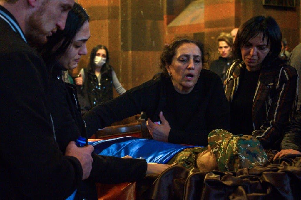 تشييع جثمان جندي أرميني - فرانس برس