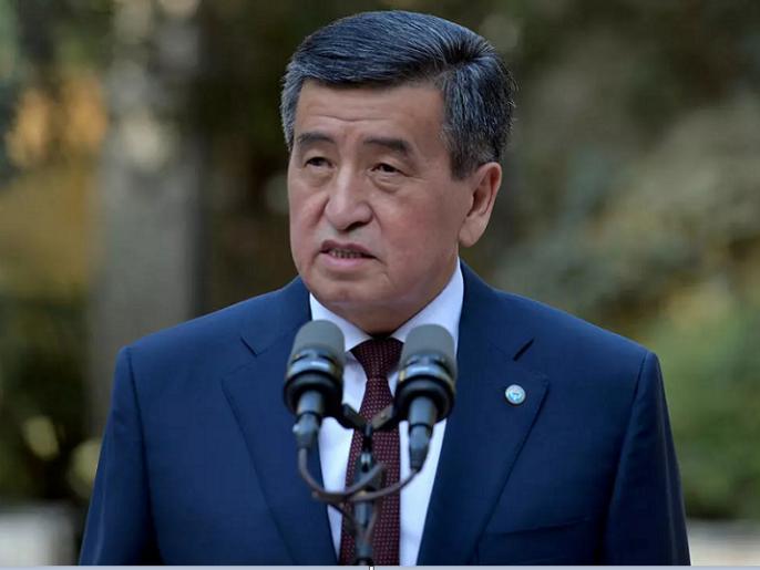 رئيس قيرغيستان يستقيل وسط ظاهرة غريبة تحدث في البلاد