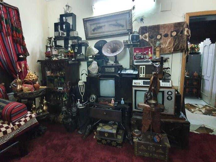 صور.. سعودية تحولمنزلها لمتحف بـ10 آلاف قطعة تراثية