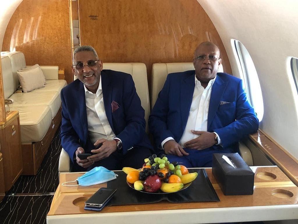 مصطفى الشافعي على متن الطائرة الخاصة