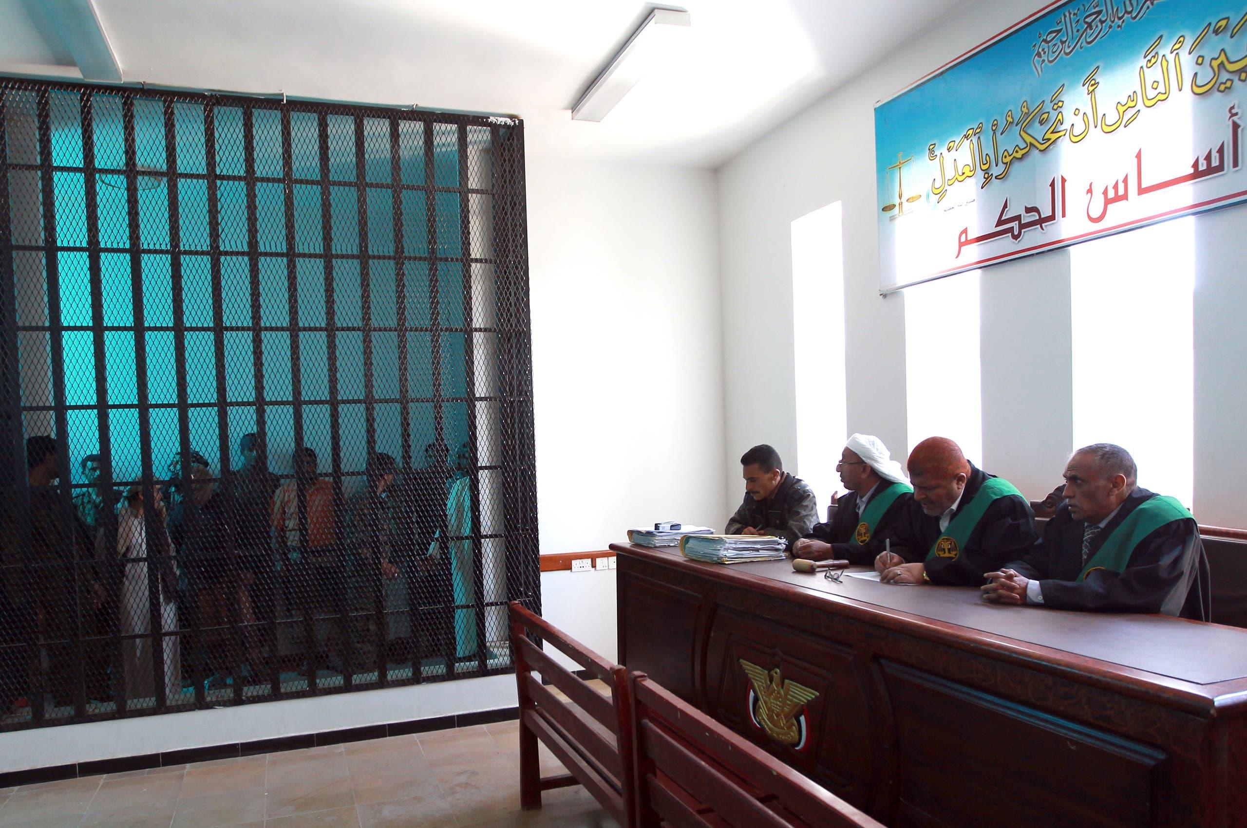داخل إحدى محاكم صنعاء (أرشيفية)