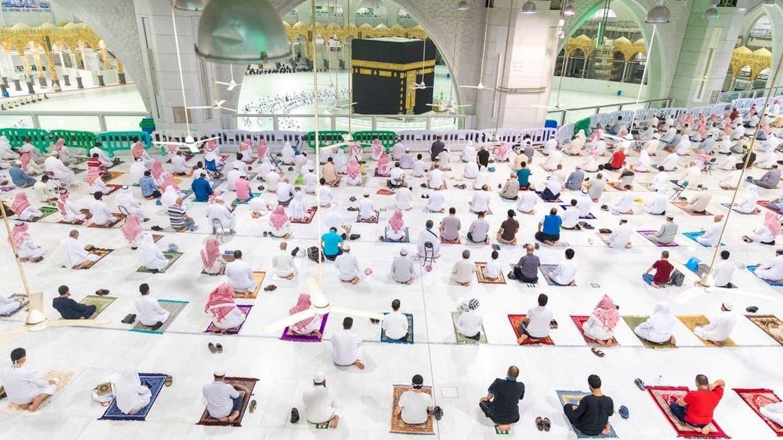 صلاة العشاء في المسجد الحرام