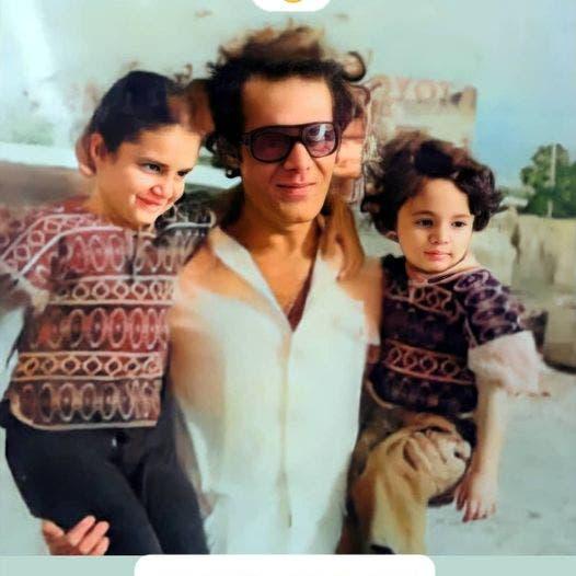 محمود ياسين في شبابه مع أولاده