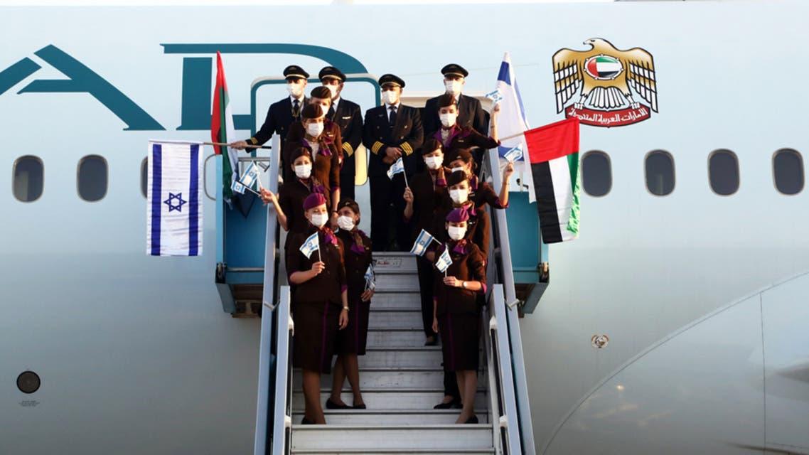 Etihad Airways crew on the airline's first passenger plane to Israel. (Twitter/Etihad)