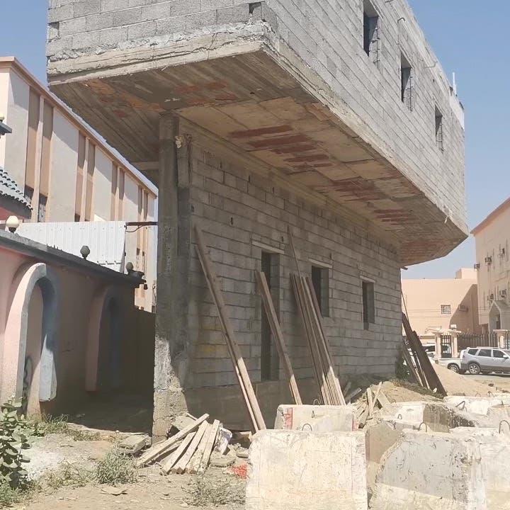 فك اللغز.. هذه قصة المبنى المثير للجدل في السعودية