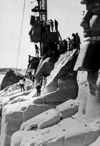نقل معبد أبو سمبل