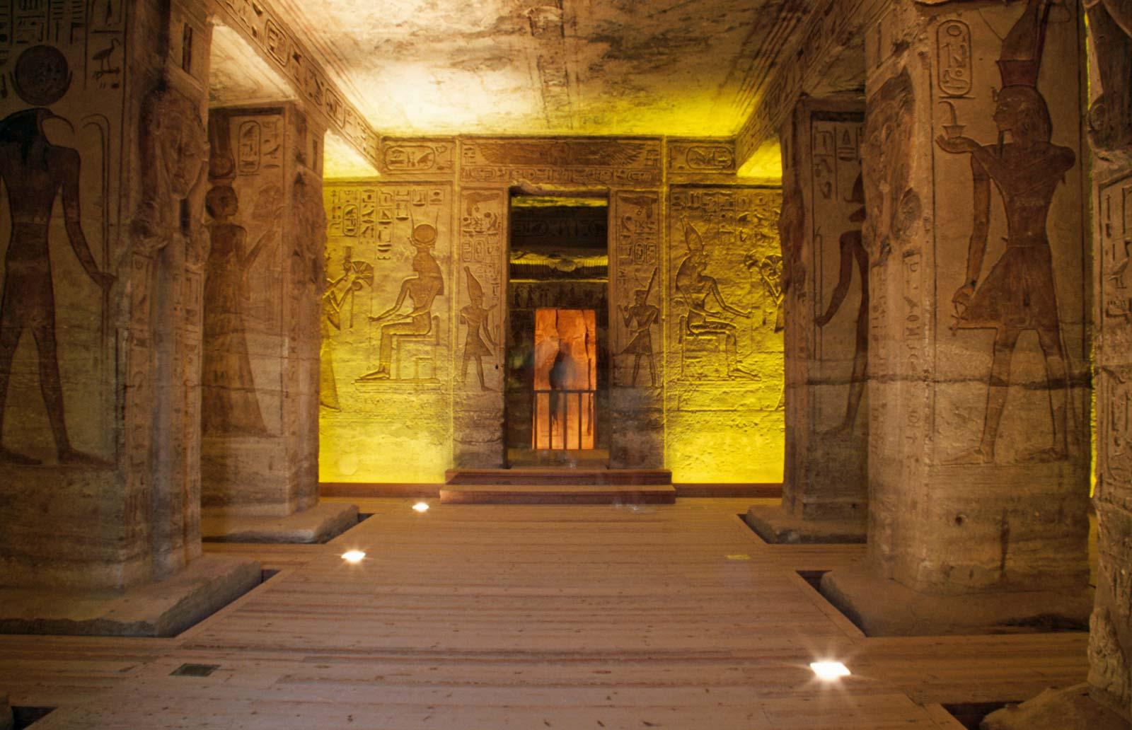 من داخل المعبد