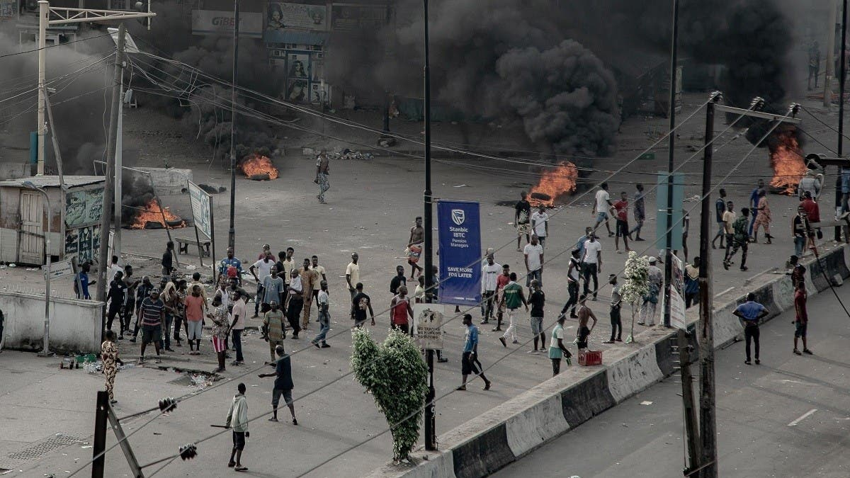 Nigerian military offered to deploy in Lagos if needed amid protests, says Governor thumbnail