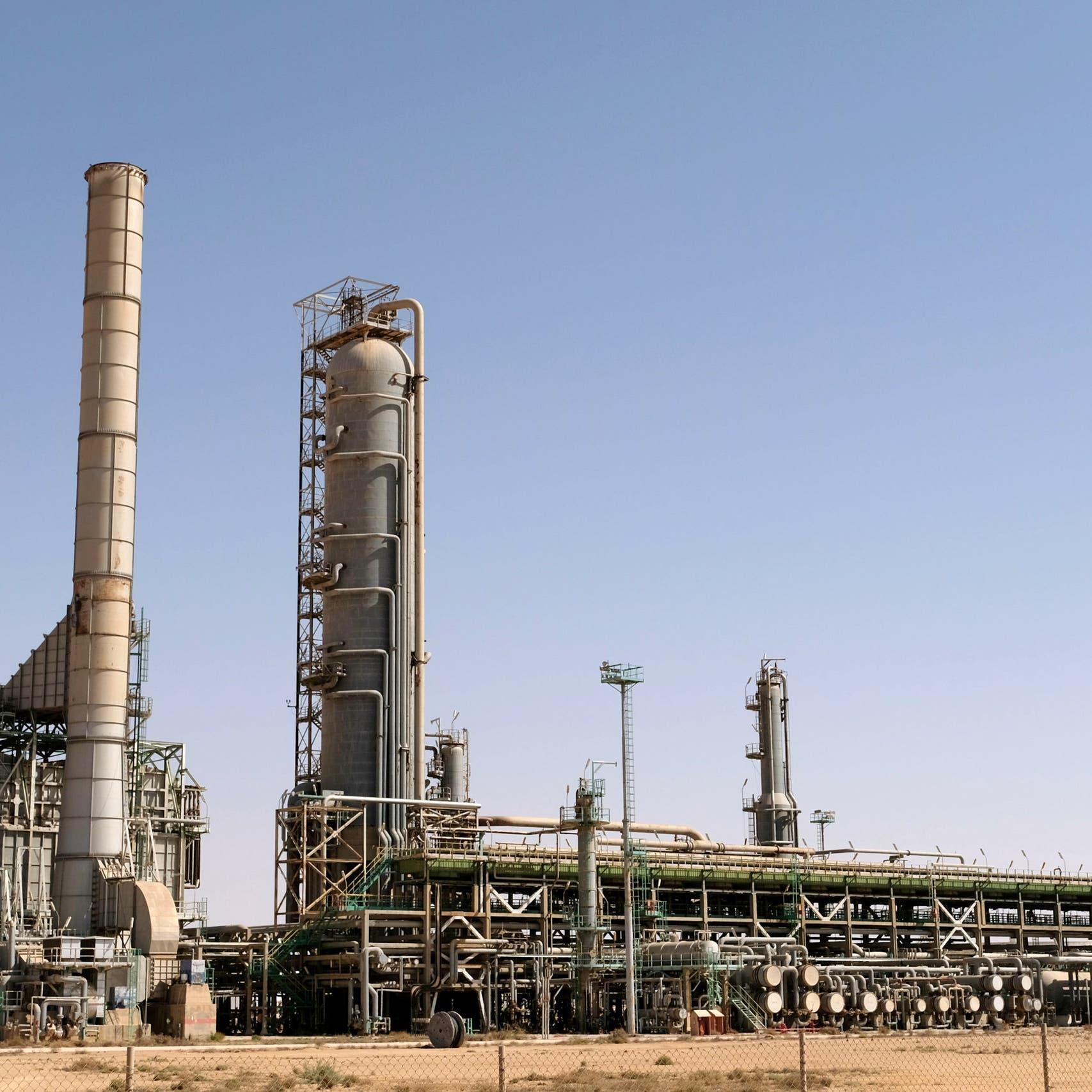 ليبيا.. استئناف تصدير النفط من ميناءي السدرة وراس لانوف
