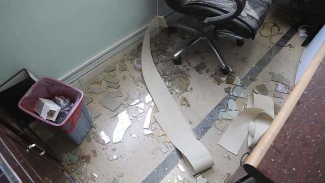 المستشفى بعد استهدافه من ميليشيات الحوثي