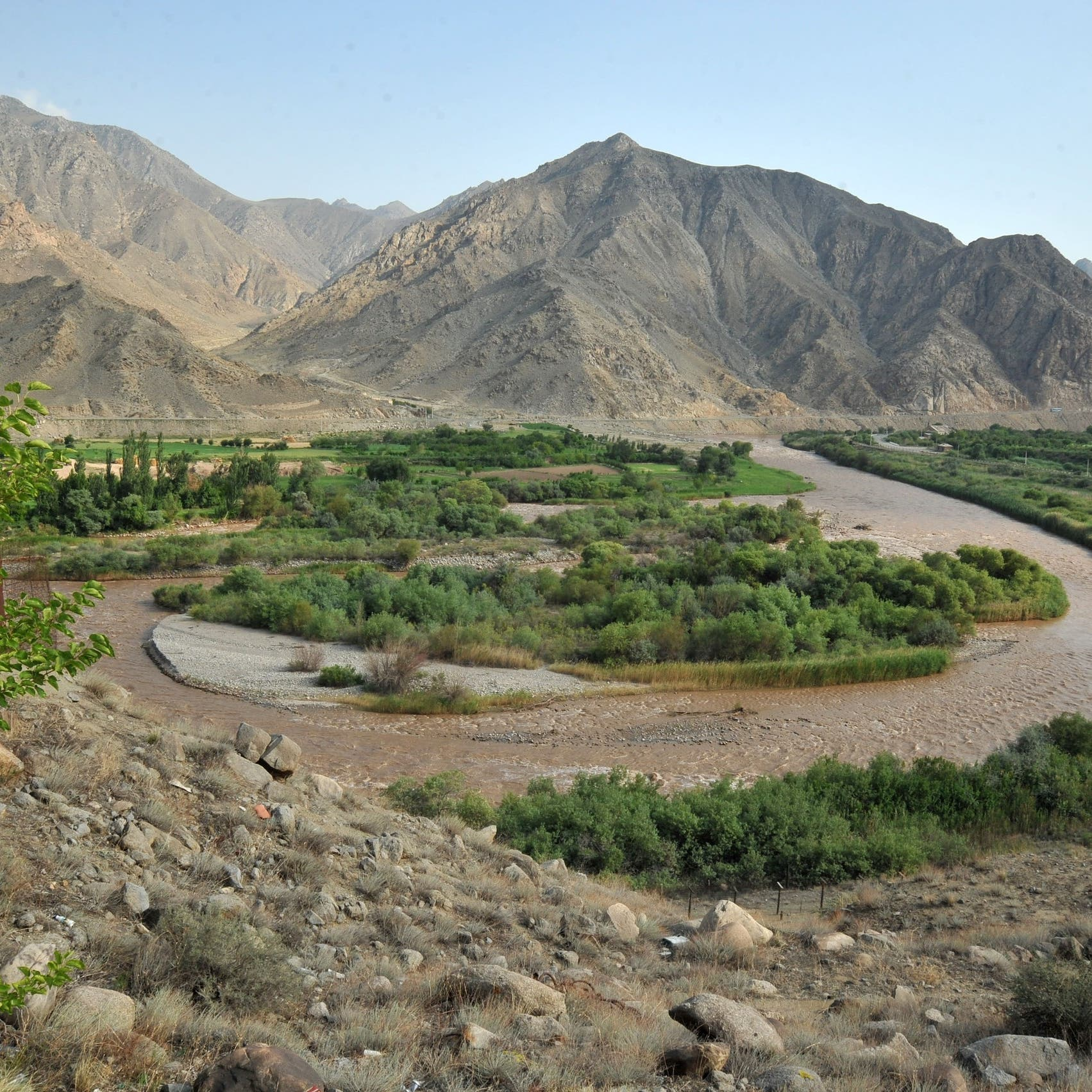 Two Azerbaijani border guards killed in Iran border shootout
