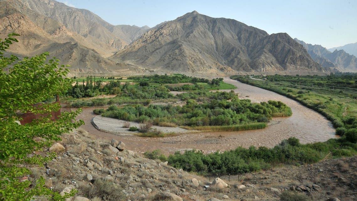 A view taken on July 11, 2012 near the Armenian town of Meghri shows Araks river, where the borders of Armenia, Azerbaijan, Iran and Turkey join. AFP PHOTO / KAREN MINASYAN