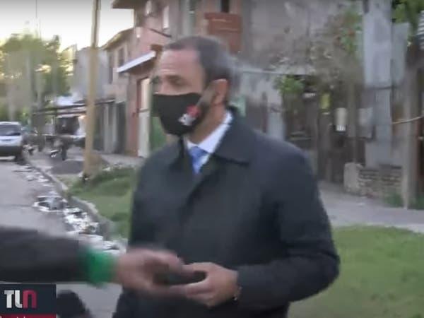 تلفن همراه خبرنگار آرژانتینی در پخش زنده دزدیده شد