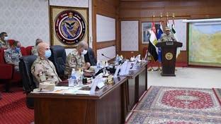 وزير دفاع مصر يتابع العمليات بسيناء : سنقتلع الإرهاب من جذوره