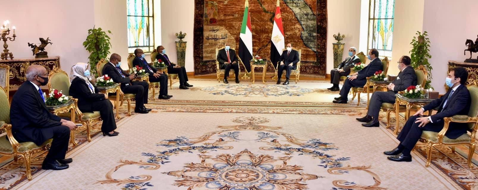 جانب من لقاء الرئيس السيسي والفريق أول البرهان