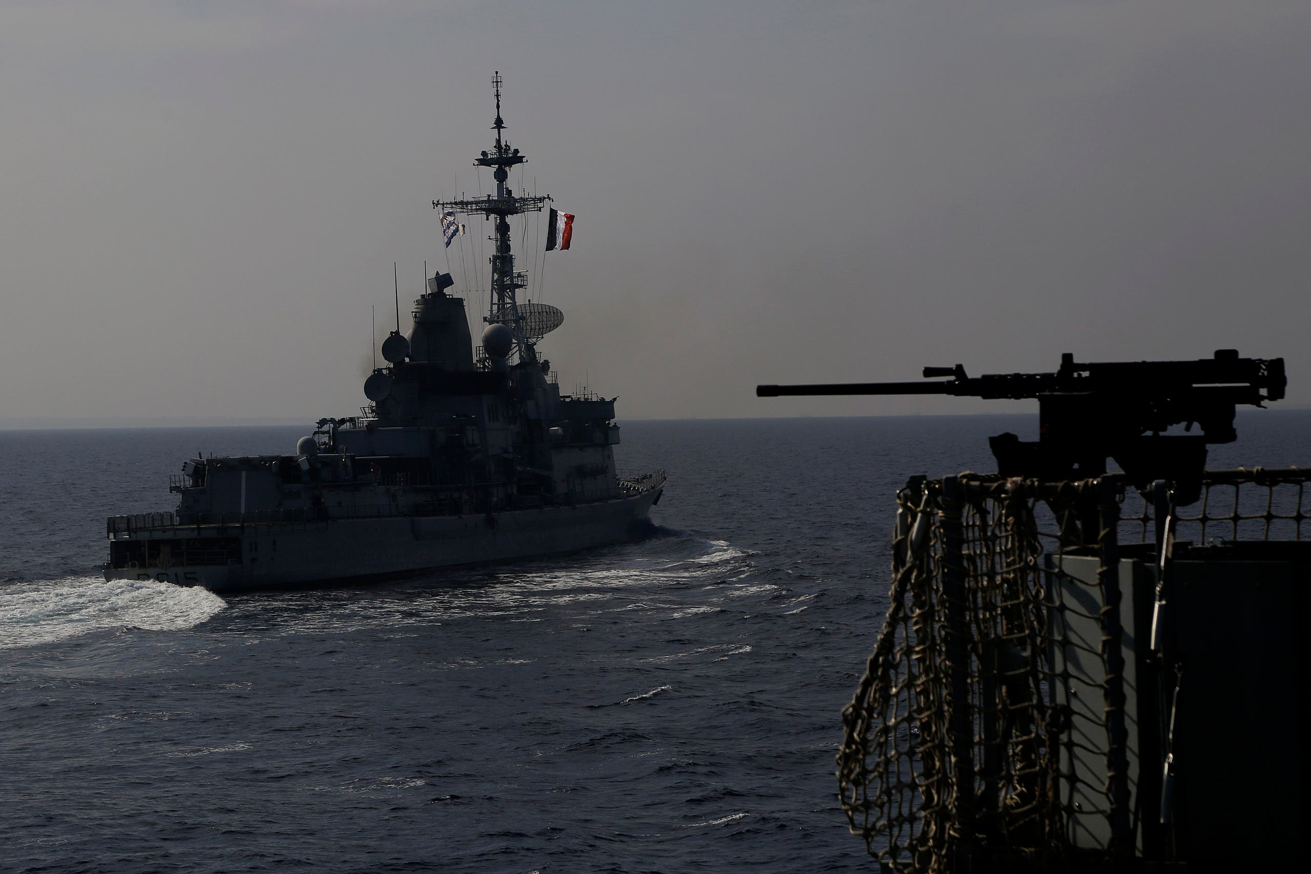 سفينة حربية فرنسية خلال المناورات في شرق المتوسط