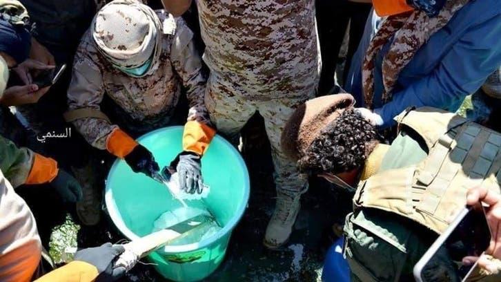 عدن.. بدء إتلاف شحنة مخدرات كانت في طريقها للحوثيين