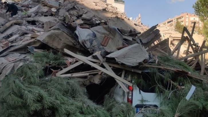 مشاهد لمبانٍ تنهار.. 12 قتيلاً بزلزال تركيا و400 جريح