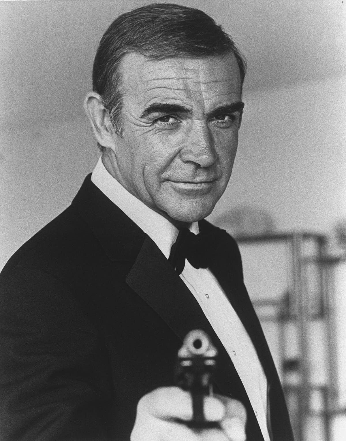 "In this file photo taken on October 22, 1982 British actor Sean Connery poses in Nice during the making of the film ""Never say, never again."" (AFP)"