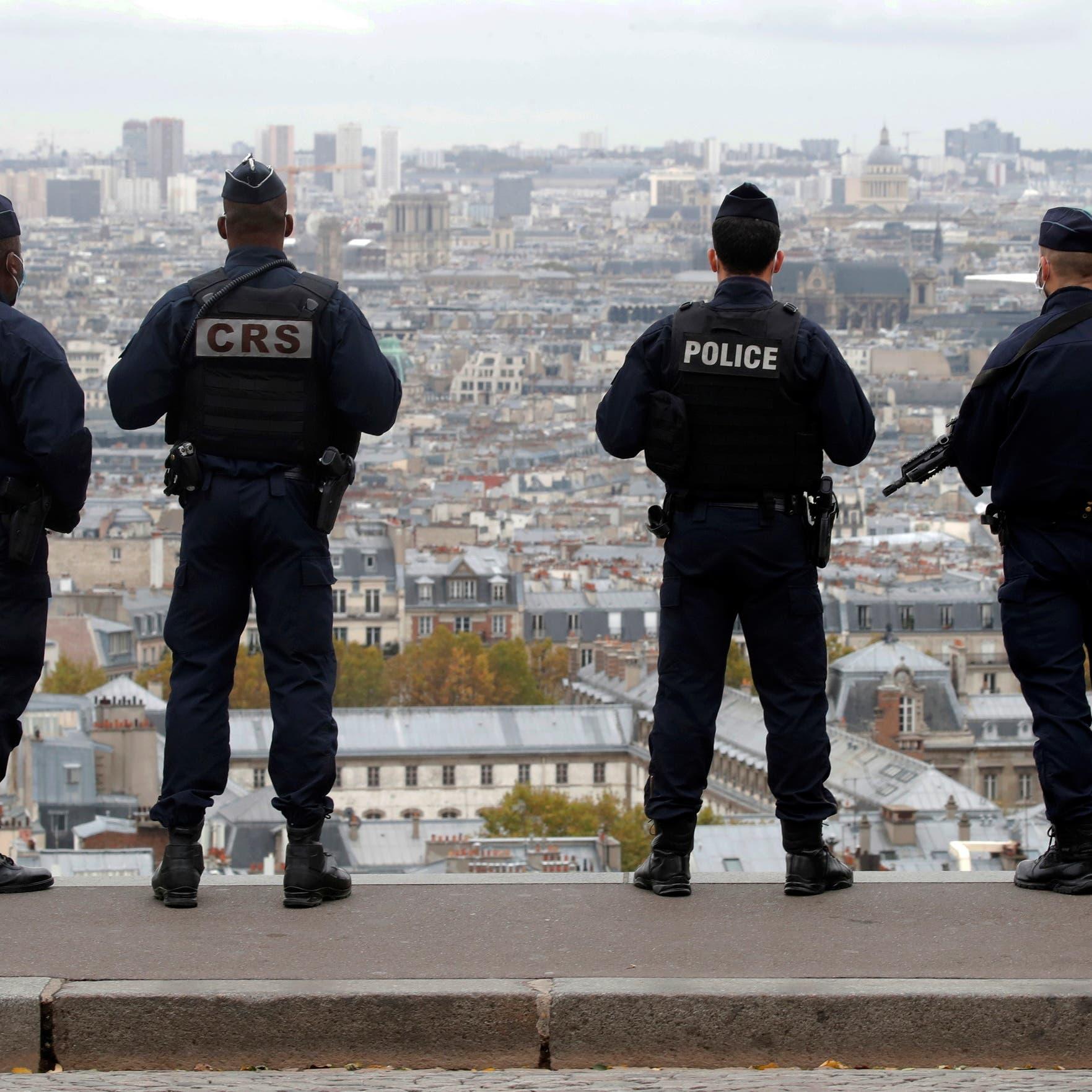 فرنسا.. اعتقال مسلح بسكين كبير تجول وسط باريس