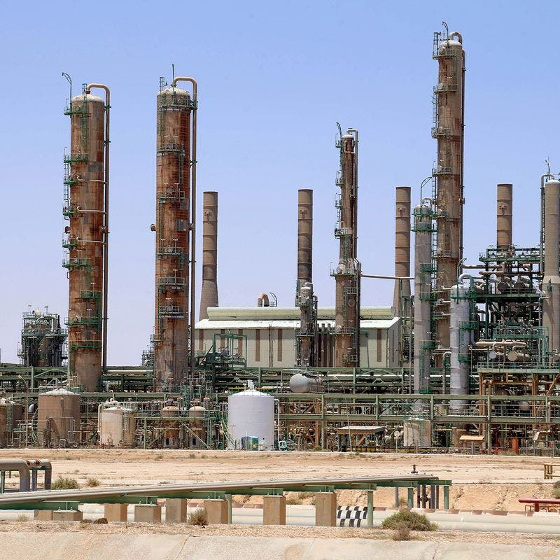 النفط يصعد مع انحسار إصابات كورونا في الصين