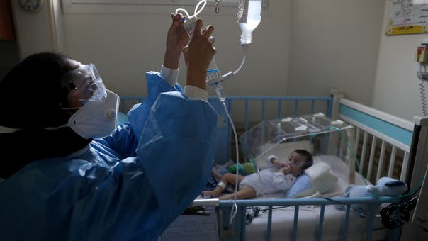 Iran reports record high of over 30,000 new COVID-19 cases: Health ministry