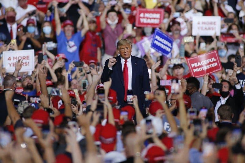 ترمب في تجمع انتخابي بولاية كارولاينا الشمالية