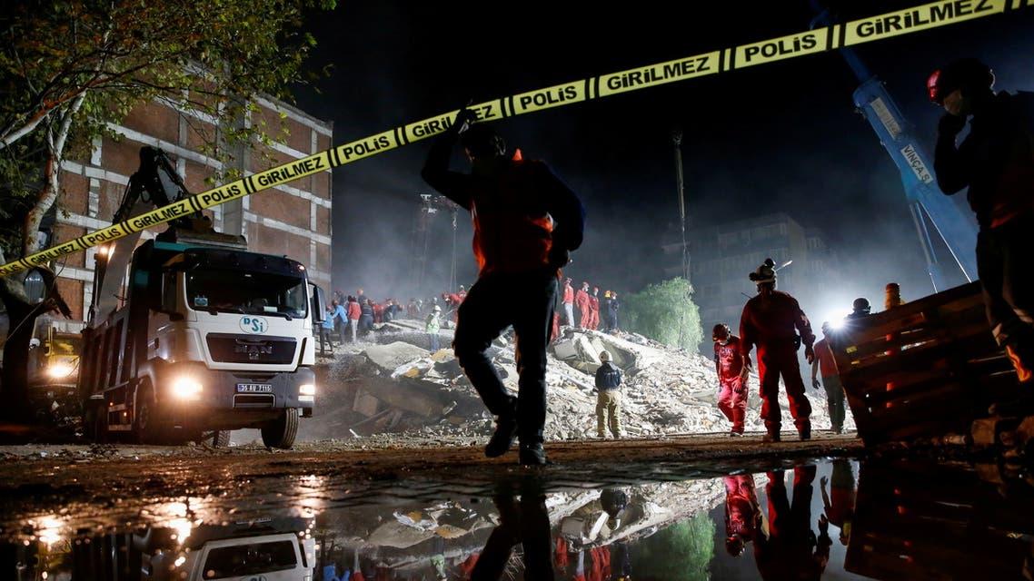 من جهود الإغاثة عقب زلزال تركيا