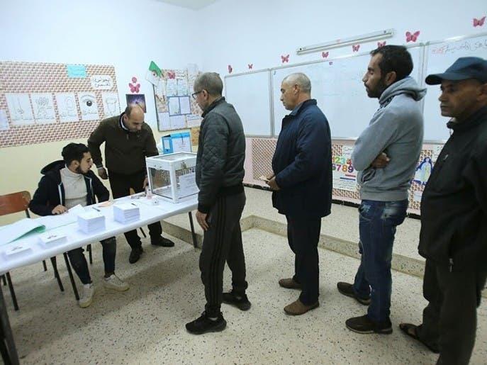 الجزائر.. الاستفتاء حول مشروع الدستور ينطلق اليوم