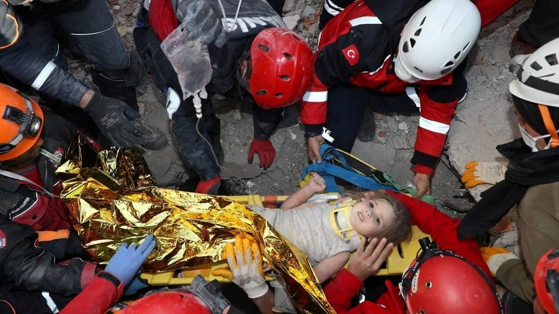 2020-Rescue workers carry a 4-year-old girl, Ayda Gezgin, out from a collapsed building after an earthquake in the Aegean port city of Izmir, Turkey, on November 3, 2020. (Reuters)11-03T075646Z_1526200190_RC2JVJ9BUCI3_RTRMADP_3_TURKEY-QUAKE
