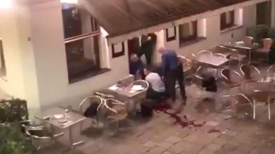 دماء أحد الجرحى ظهرت عند مدخل أحد المطاعم