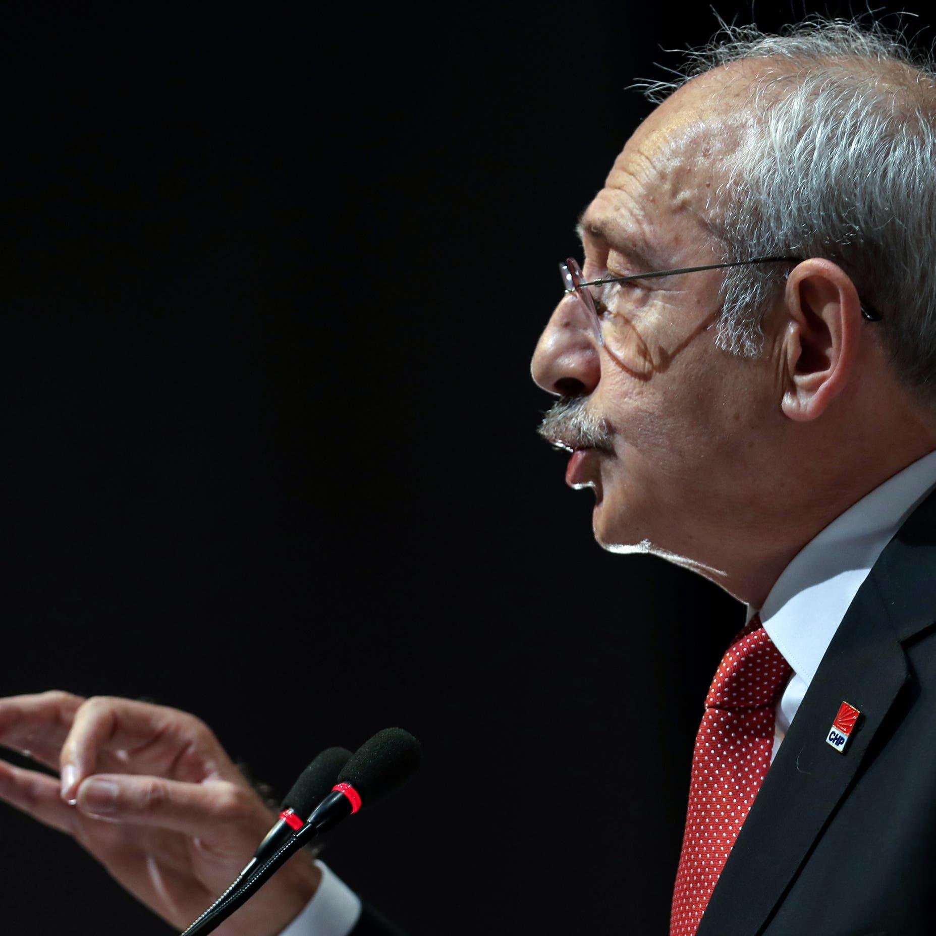 المعارضةلأردوغان: تذهب بـ6 طائرات لقبرص وشعبنا جائع