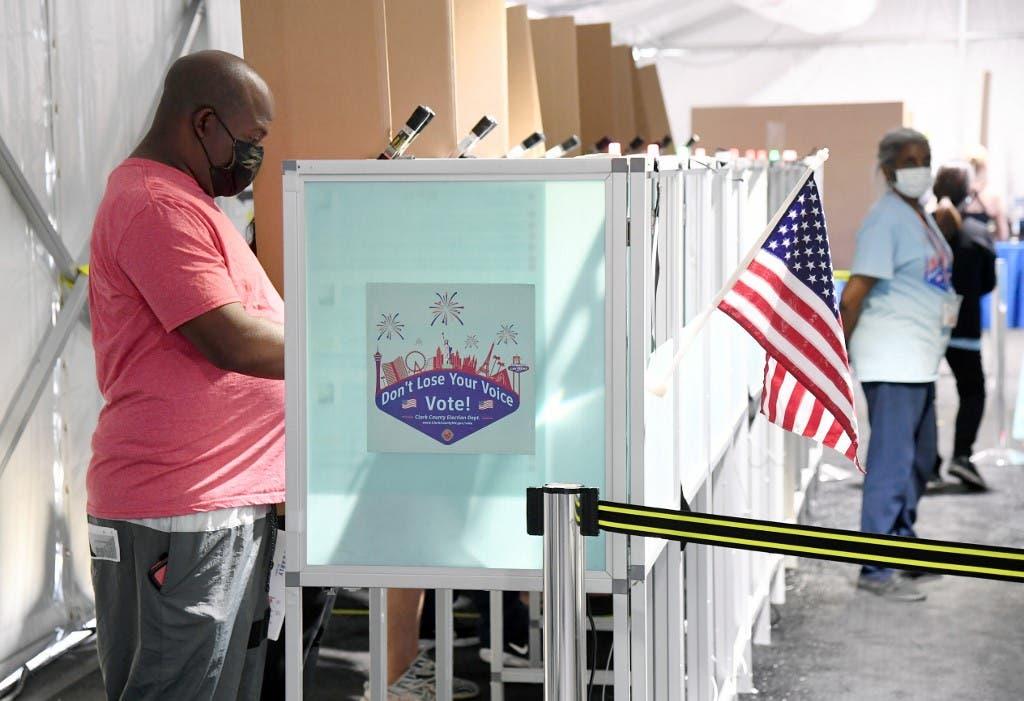 جانب من التصويت في نيفادا