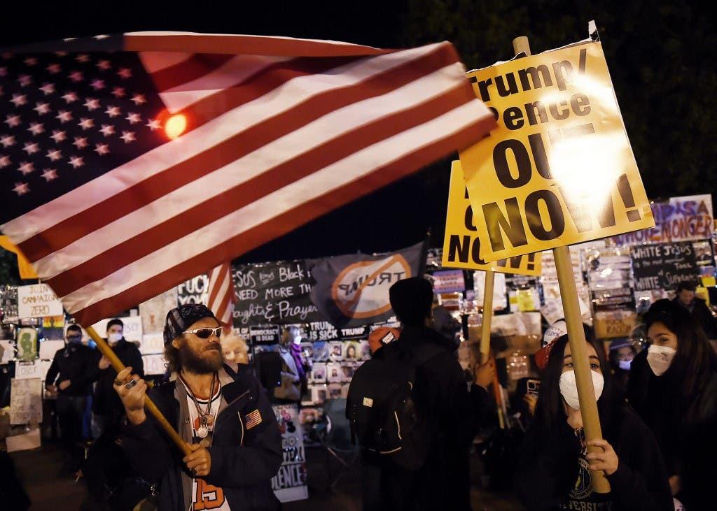 متظاهرون من حركة السود مهمة بالقرب من البيت الأبيض في واشنطن - فرانس برس