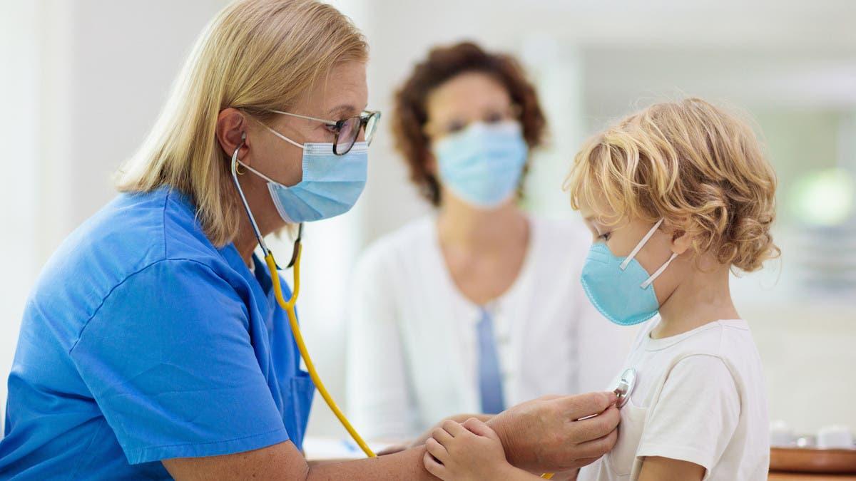 لقاح كورونا والأطفال والآثار الجانبية.. أسئلة مهمة تجيب عنها الصحة العالمية