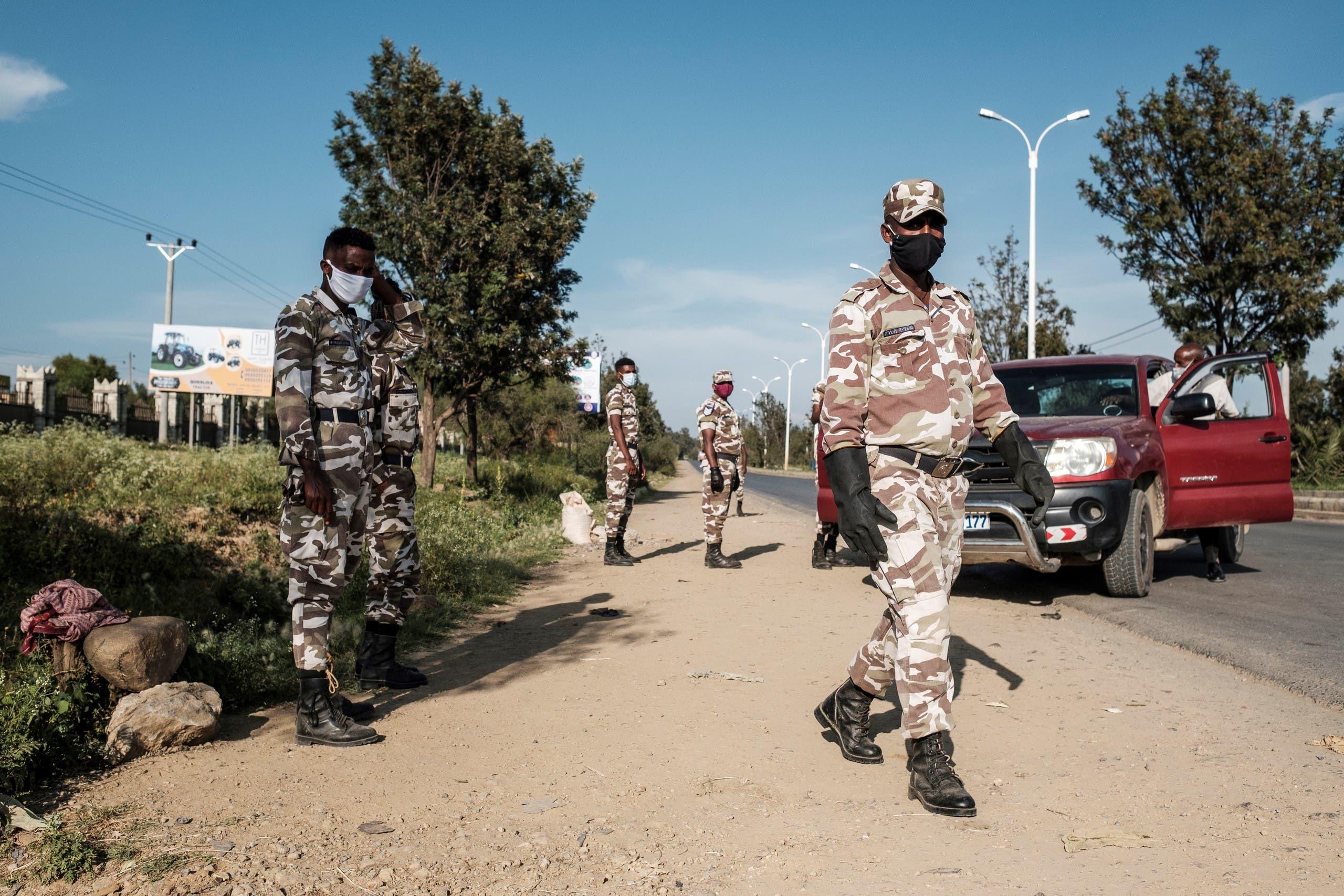 الشرطة التابعة لإقليم تيغراي خلال تأمينها انتخابات محلية اعترضت عليها أديس أبابا في سبتمبر الماضي