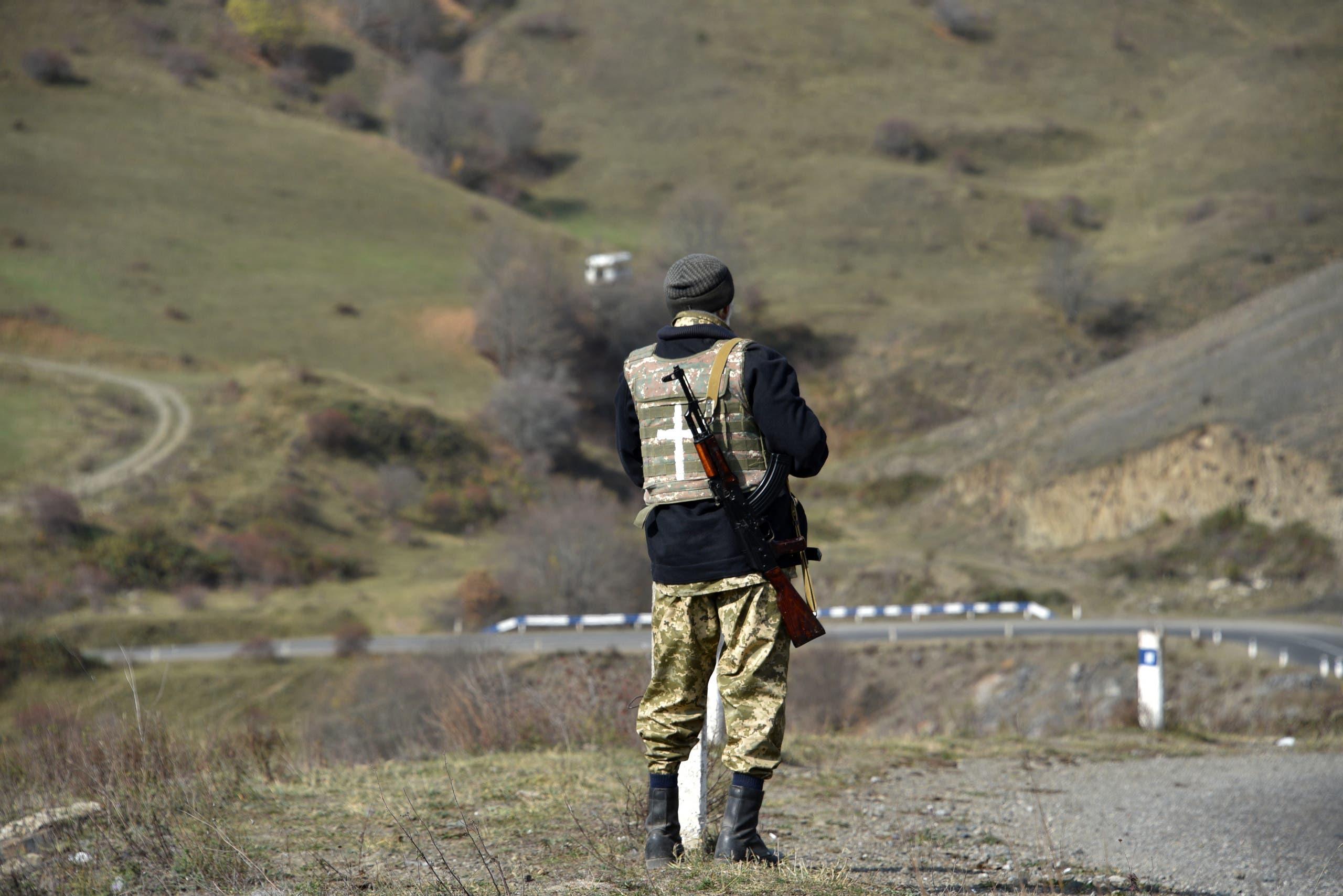 مقاتل أذربيجاني في منطقة شوشة