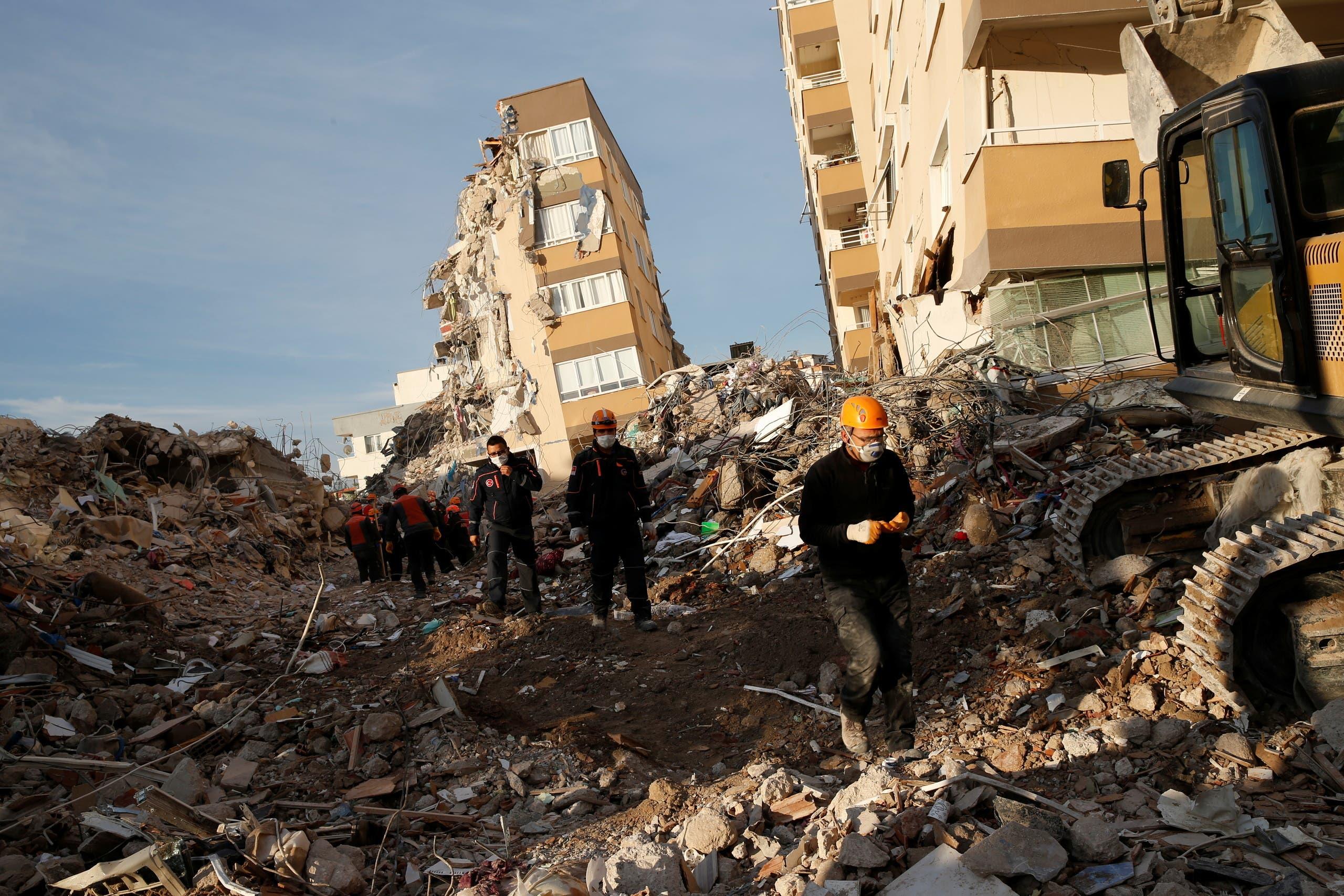 الكار الذي خلّفه الزلزال في ازمير