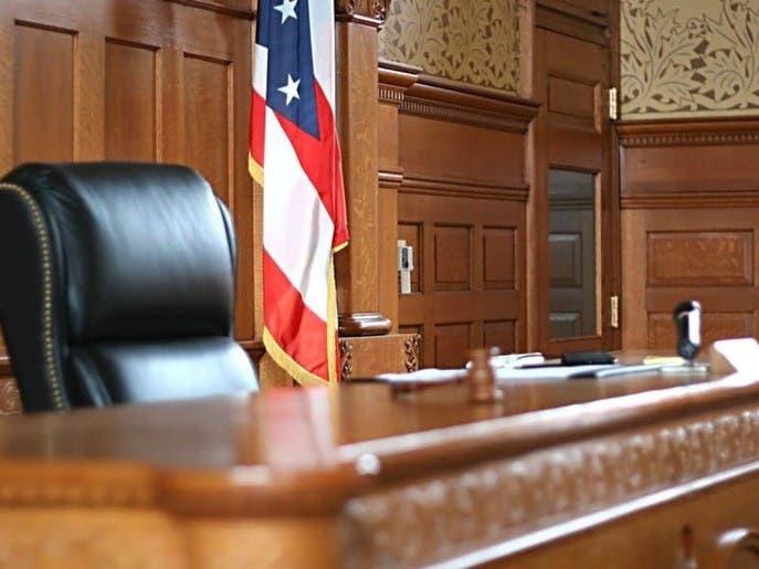 المحامون الديمقراطيون يتجنبون التقاضي وفق القوانين الفيدرالية