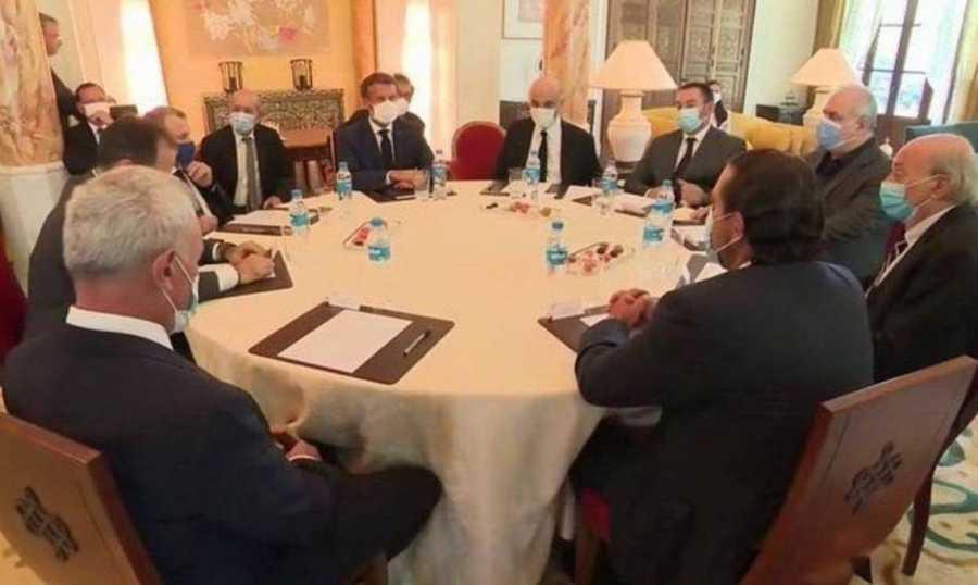 من اجتماع ماكرون بالسياسيين اللبنانيين خلال زيارته لبيروت في أغسطس
